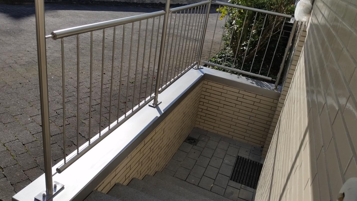 Atemberaubend Deck Geländer Mit Drahtseil Ideen - Elektrische ...